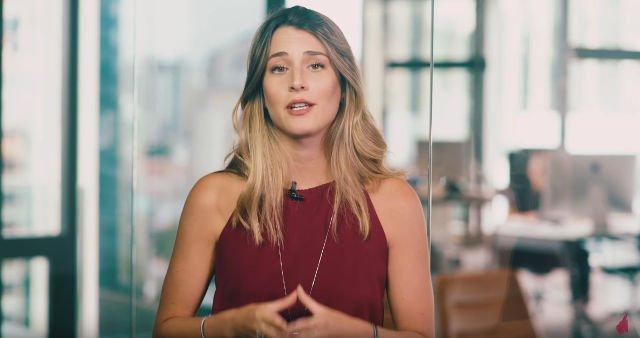 Conheça Bettina A Jovem De 22 Anos Que Está Enchendo O Saco